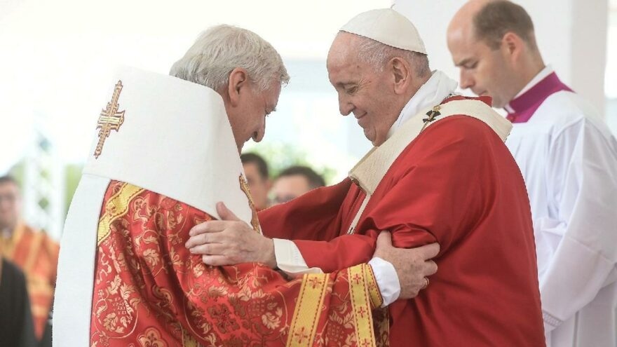 Vatikan'ı alarma geçiren kare: Papa'yla buluştuktan günler sonra coronaya yakalandı