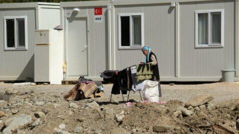 Selzedeler, konteynerlerde konutları için gün sayıyor