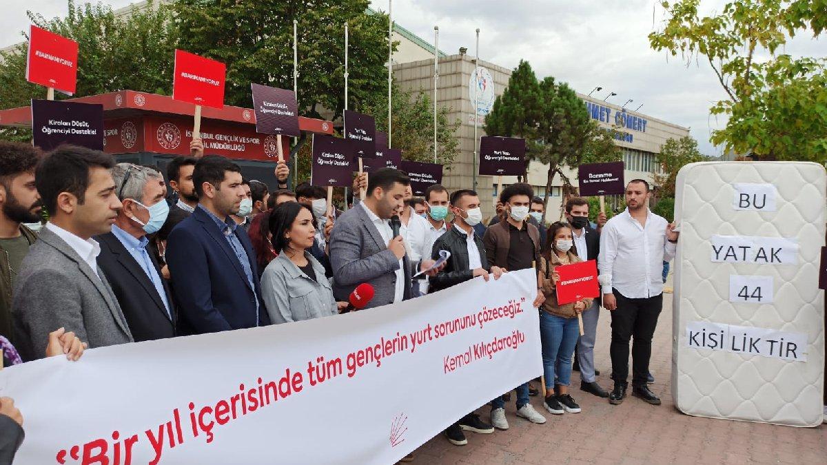 Yurt protestosu: 44 kişiye bir yatak düşüyor