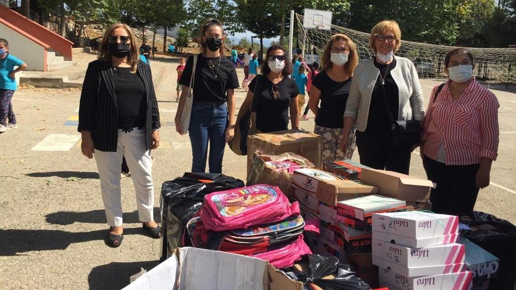 Üniversiteli kadınlardan yangında zarar gören çocuklara yardım