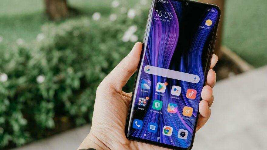 Litvanya'dan 'Çin malı telefonları çöpe atın' çağrısı