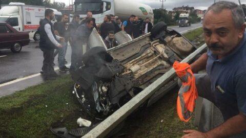 Kaymakam ve şoförünün bulunduğu araç takla attı