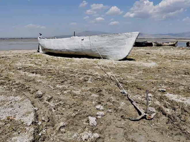 Nilüferleriyle ünlü Işıklı Gölü'nde su seviyesi yüzde 20'ye düştü