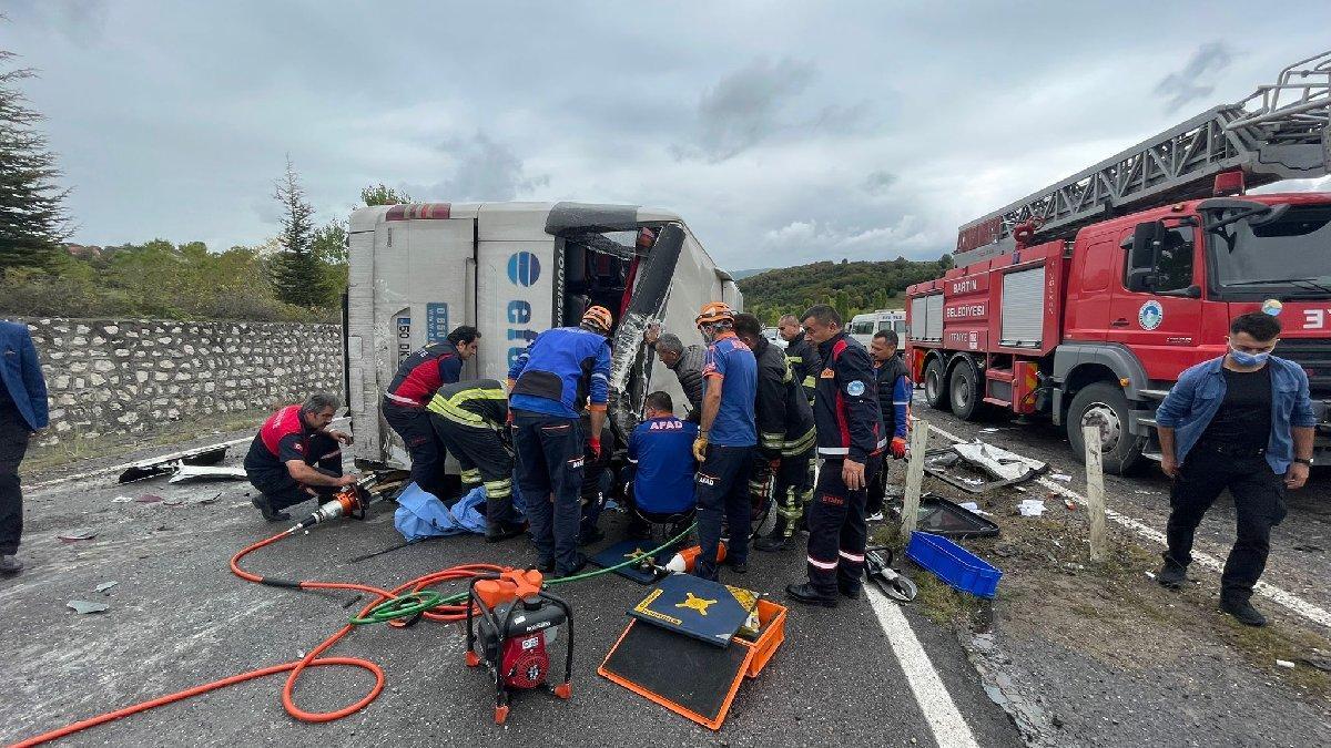 Bartın'da yolcu otobüsü kaza yaptı: 3 ölü