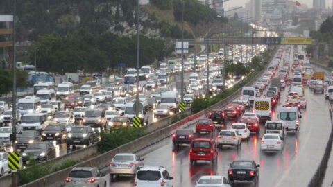 İstanbul'da yağmur trafiği! Yüzde 71'i geçti