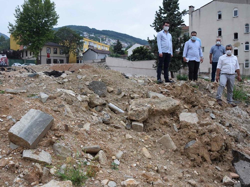 Kentte yıkılan 37 okulun yerine yenisi hala yapılmadı