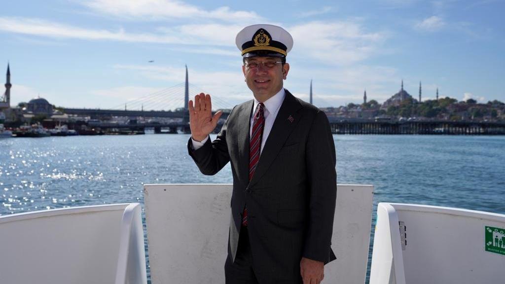 İstanbul'un 'yerli ve milli' deniz taksileri suya indirildi