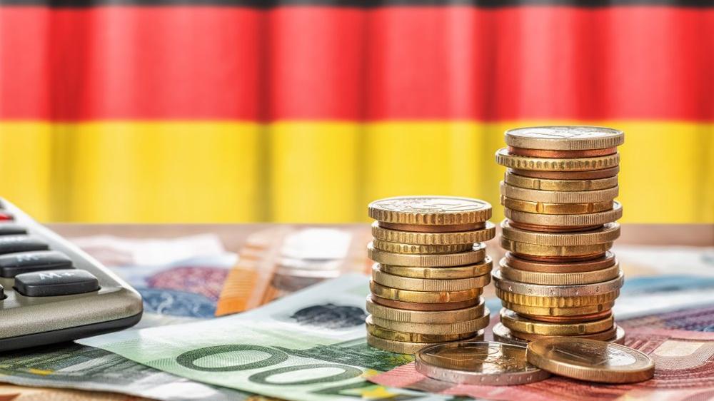 Almanya'da seçimlere iki gün kala dikkat çeken iddia: Milyonerler varlıklarını İsviçre'ye taşıyor