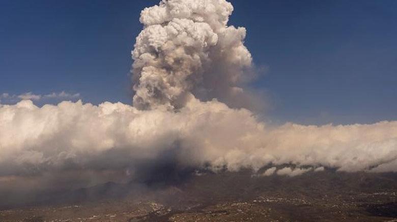 Facianın yaşandığı La Palma Adası'na kül yağıyor