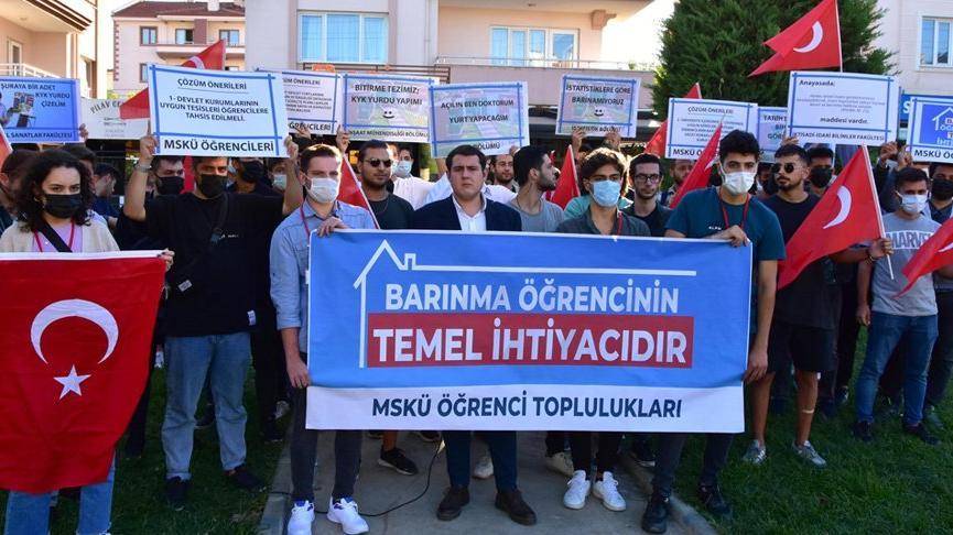 Muğla'da üniversite öğrencilerinden 'barınma' protestosu