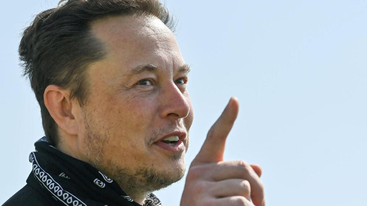 Tesla CEO'su Elon Musk: Çip krizi kısa sürede biter