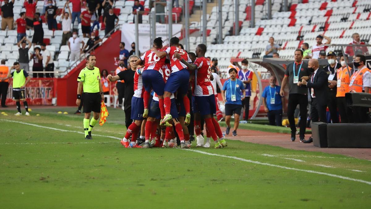 Antalyaspor-Yeni Malatyaspor maçında üç puan son dakikada geldi