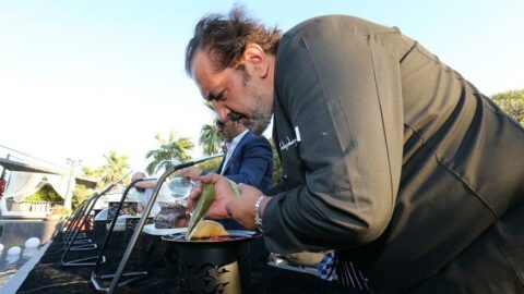 Mehmet şefin ilk leziz kitabı mutfak sırları ile 'Denizden'