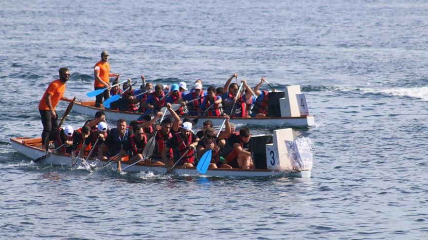 Mahalle takımları teknelerle yarıştı