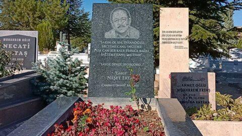 Bozkırın tezenesi Neşet Ertaş mezarı başında anıldı