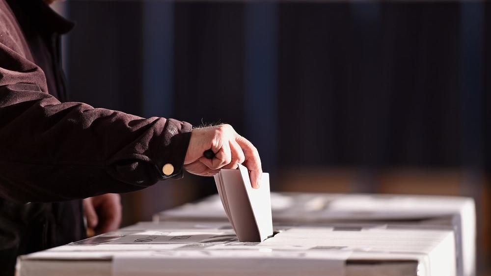 Almanya sandığa gidiyor: Anketler üçlü koalisyona işaret ediyor