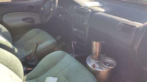 Aracında semaverden çıkan gazdan zehirlenip öldü