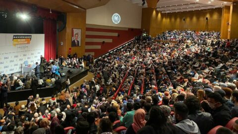 Söz konusu AKP olunca ne covid var ne mesafe!