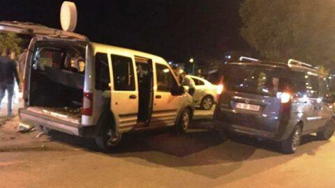 Adıyaman'da hafif ticari araç ile otomobil çarpıştı: 8 yaralı