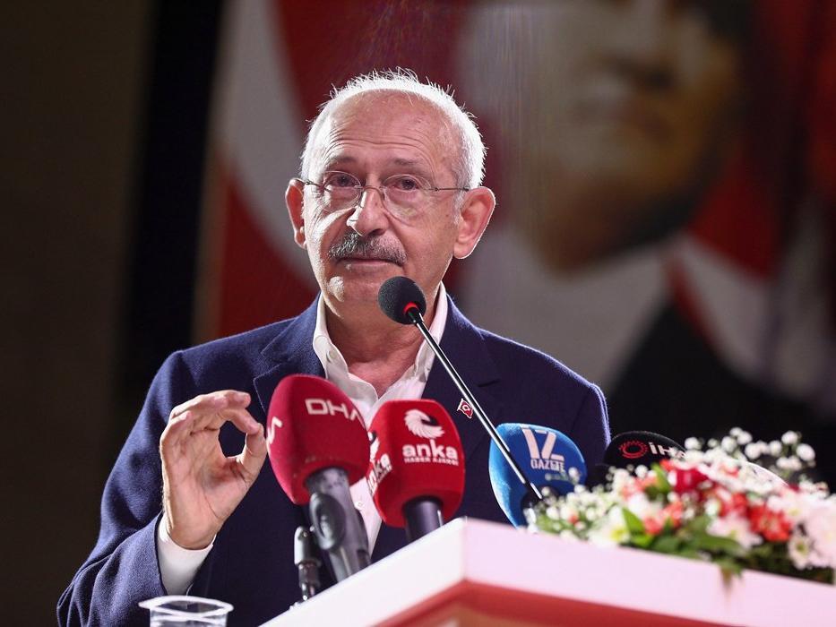 Kılıçdaroğlu: Gençlerimiz sağlıklı bir çalışma ortamı bulamadıkları için umudu dışarıya bağlıyorlar