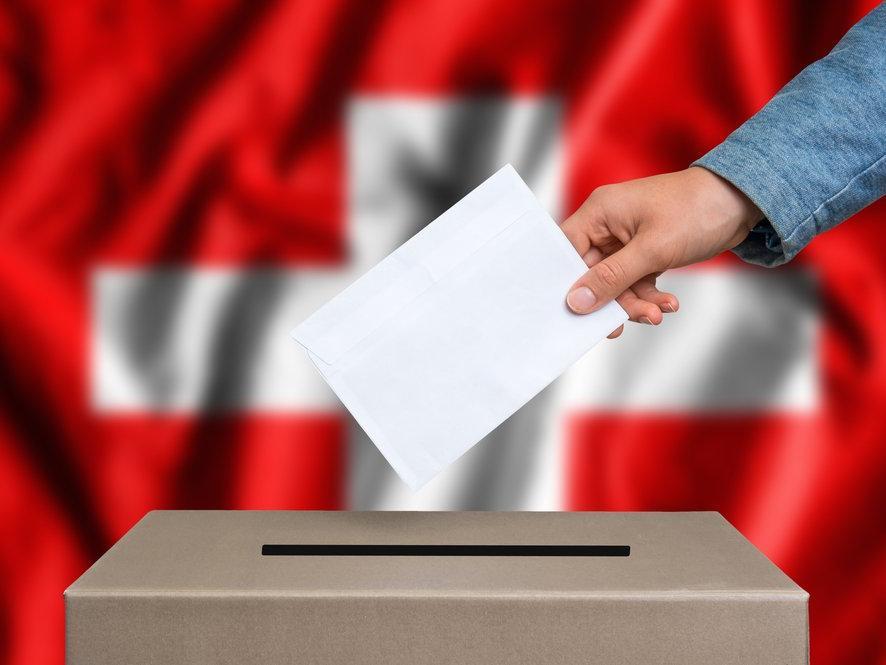 İsviçre eşcinsel evliliği oyluyor