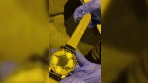 Uyuşturucuyu kol saatine saklamış