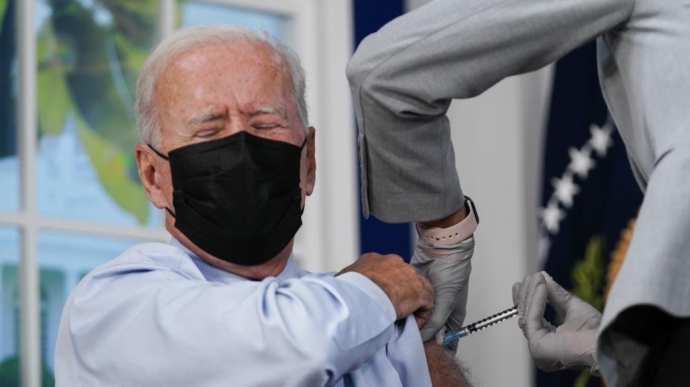 ABD Başkanı Biden canlı yayında 3. doz corona aşısını oldu