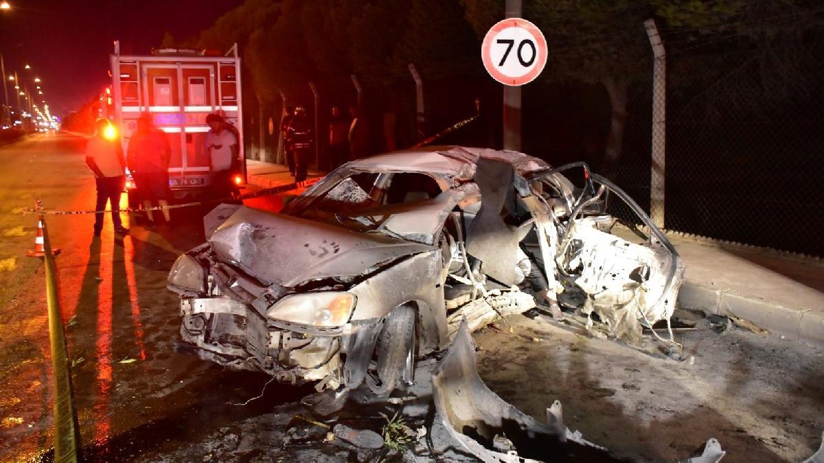 Otomobil beton bariyerlere çarpıp yandı; 1 ölü, biri ağır, 3 yaralı