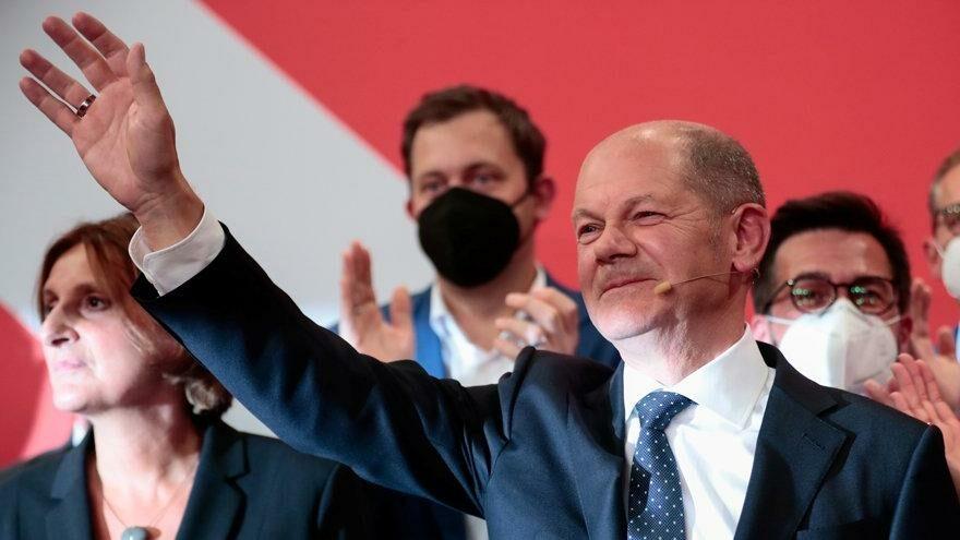Scholz: Halk bize üçlü koalisyon yetkisini verdi