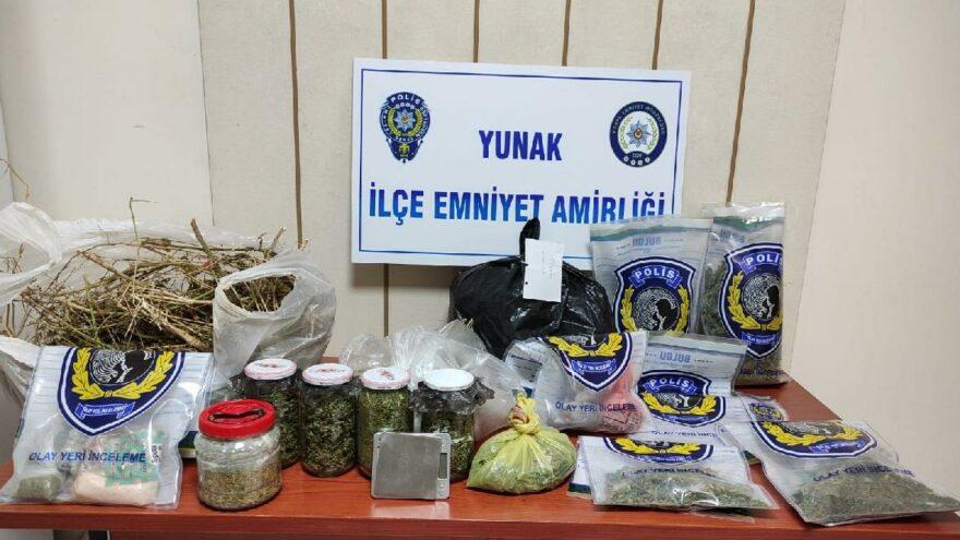 Konya'da kavanozlar içinde 4 kg esrar ele geçirildi