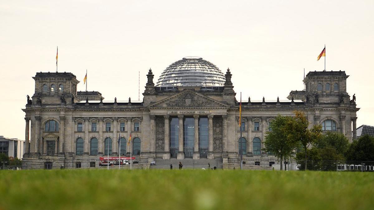 Almanların yüzde 55'i 'Trafik Işığı' koalisyonu istiyor
