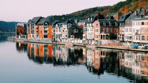 Turist olma planlarını ikinci baharlarına erteleyen 90 jenerasyonuna şimdiden önerdiğimiz 7 Avrupa kasabası