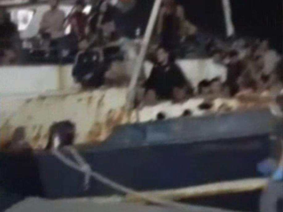 Lampedusa Adası'na 600'ü aşkın göçmen ulaştı