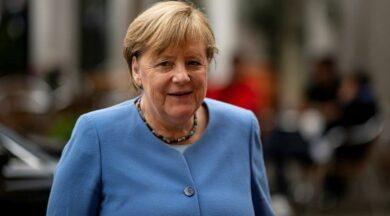 Merkel 15 bin euro emekli maaşı alacak