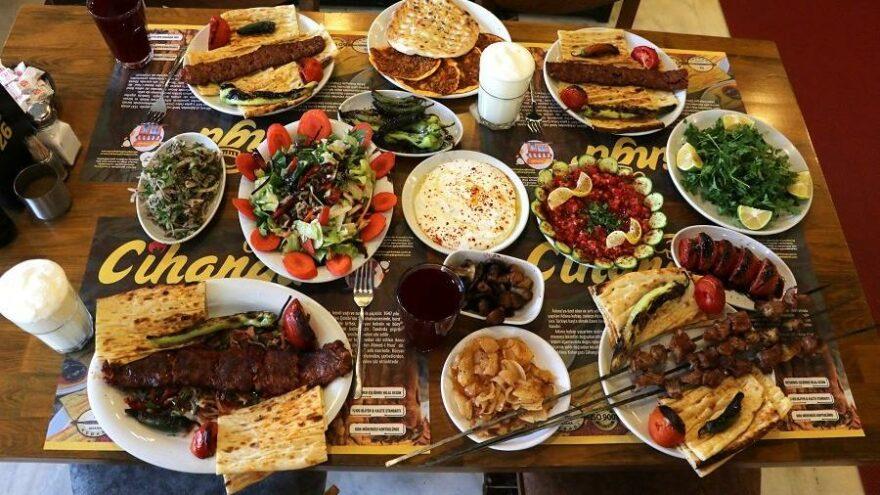 Uluslararası Adana Lezzet Festivali esnafa can suyu olacak