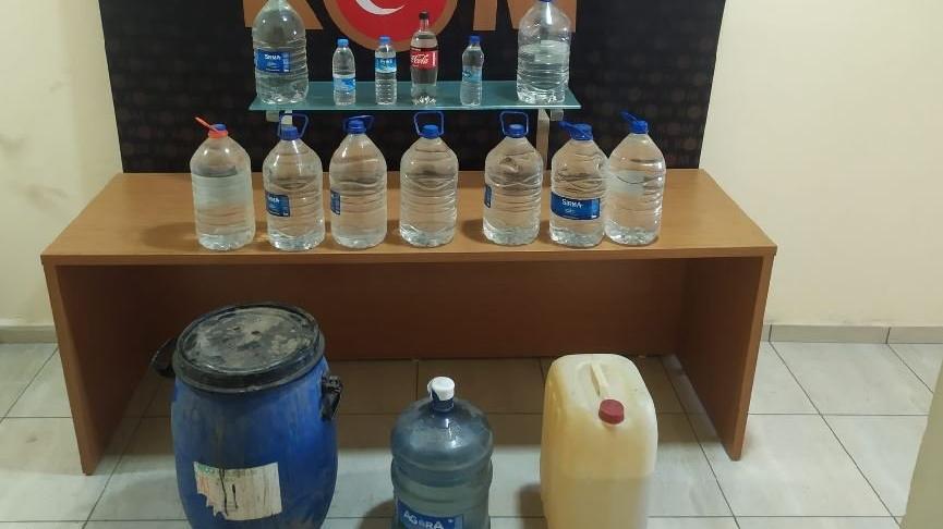Su şişelerinden sahte rakı çıktı