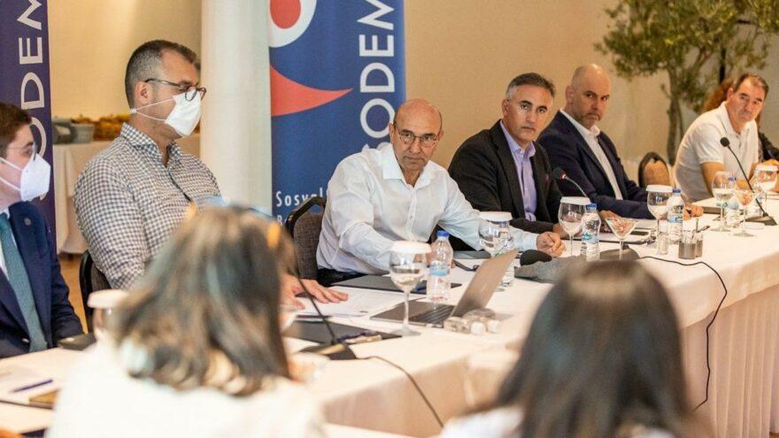 CHP'li 11 büyükşehir belediyesi ortak orman politikası belirliyor