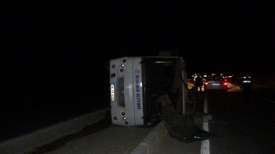 İşçileri taşıyan servis otobüsü devrildi: 10 yaralı