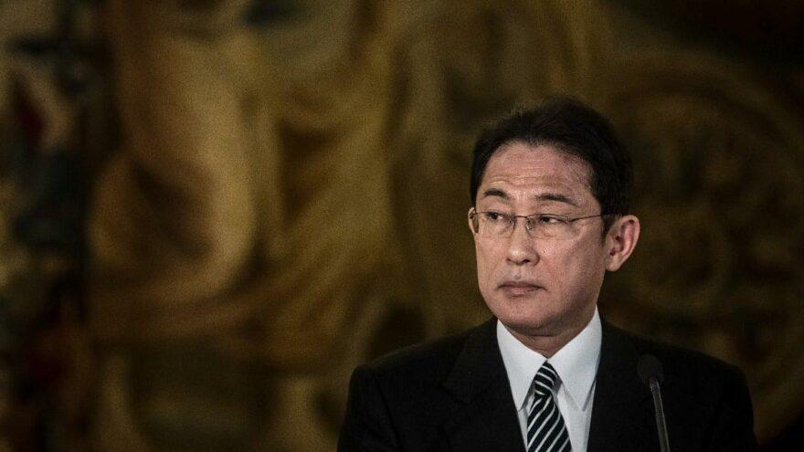 Japonya'da kritik seçimden Fumio Kishida çıktı