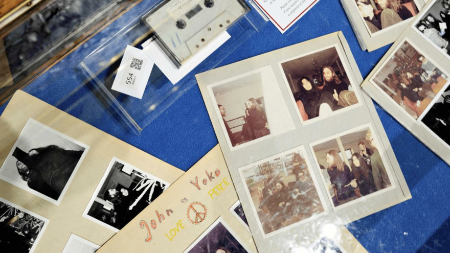 John Lennon'un ses kaydı 58 bin dolara satıldı