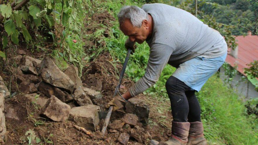 Myanmar'a gidemeyen büyükelçi kendini bağ-bahçeye verdi