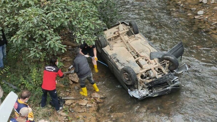 Giresun'da otomobil dereye yuvarlandı: 2 ölü