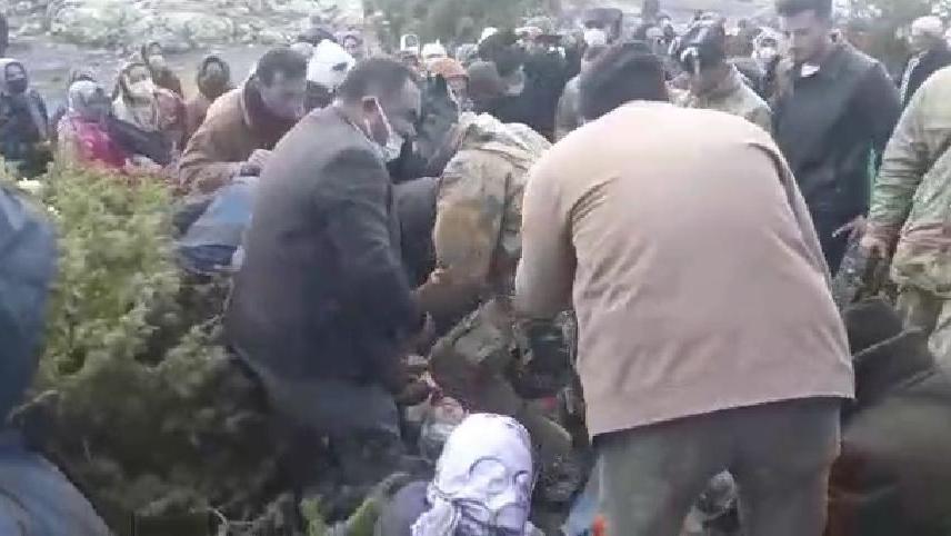 Köyde su tartışması: Gazlı müdahalede hastanelik oldular