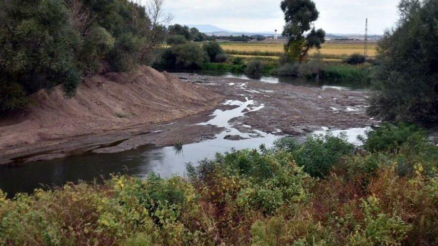 Edirne'de kuraklık nedeniyle Tunca Nehri dip seviyede