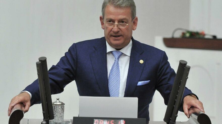 CHP'li Haluk Pekşen'e 'tek adam' cezası