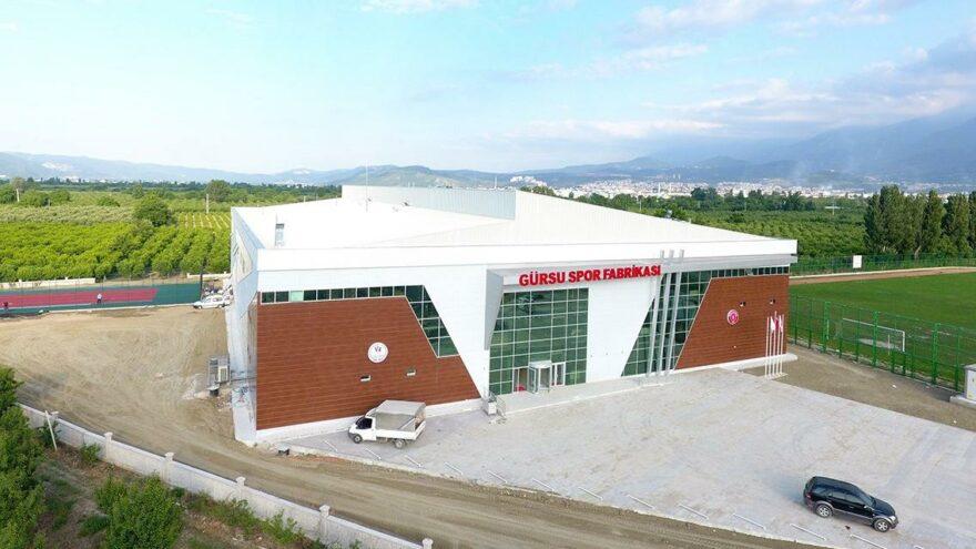 10 milyon liraya inşa edilen spor tesisi bakımsızlıktan çürüyor