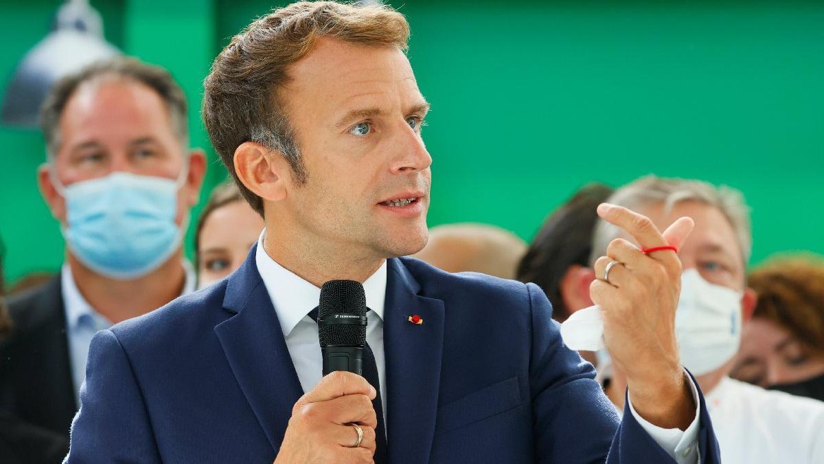 Macron komplo teorilerine savaş açtı