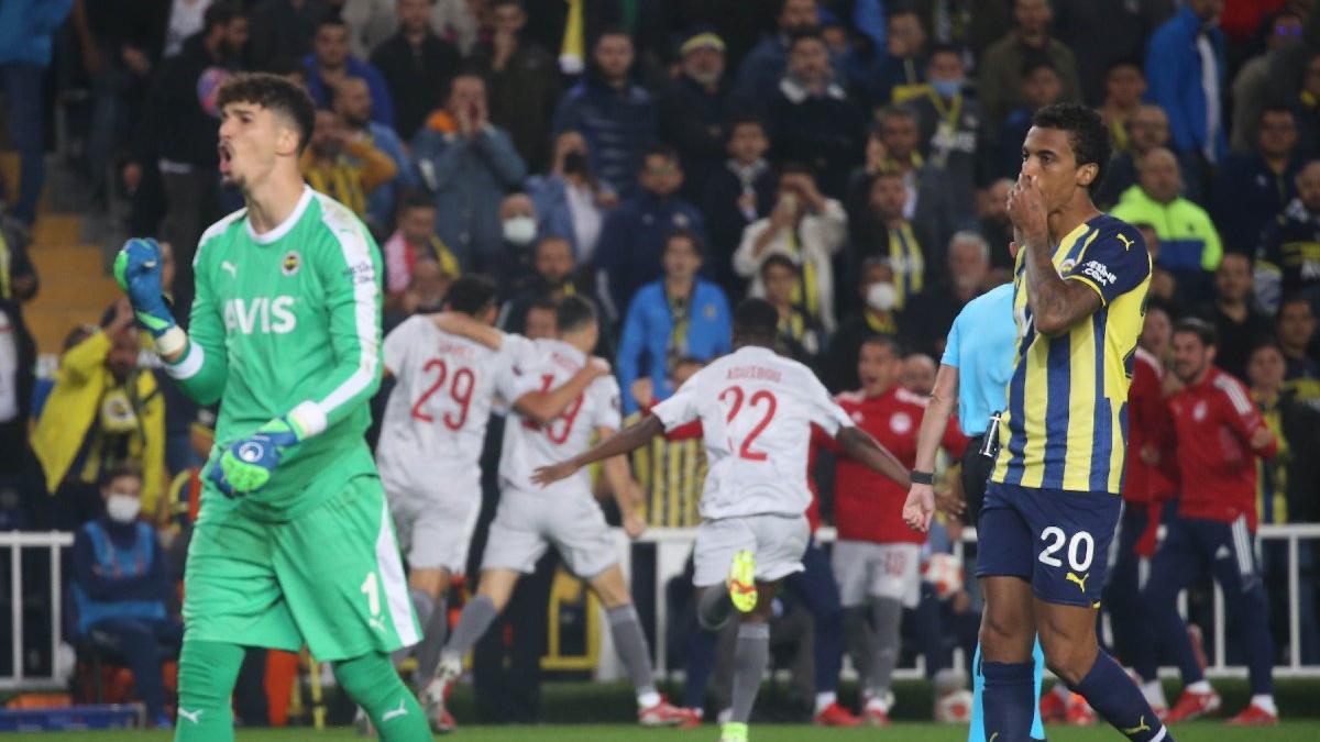 Fenerbahçe, Olympiakos karşısında bozguna uğradı: 0-3
