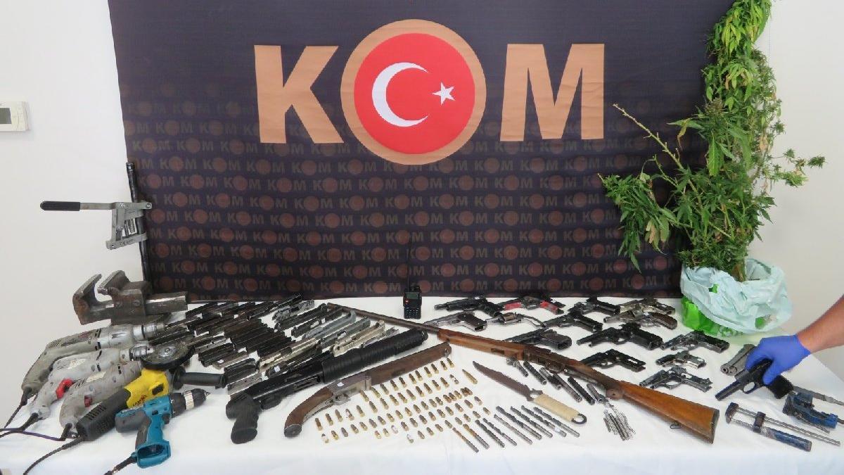 Eskişehir'de kaçak silah operasyonu: 9 gözaltı