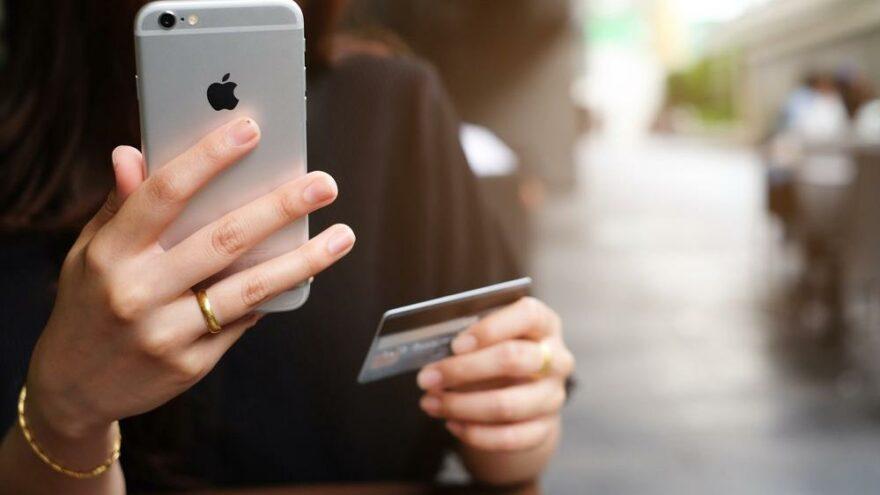iPhone'da güvenlik açığı: 'Kredi kartınızı hemen kaldırın!'